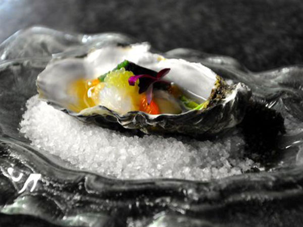 Oyster-with-Dressing-Ostra-2